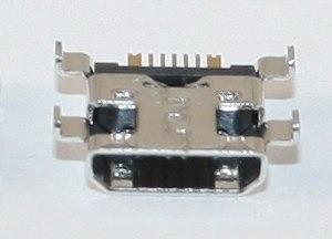 xl-8806-sistemnyiy-razyem-samsung-i8190-microusb